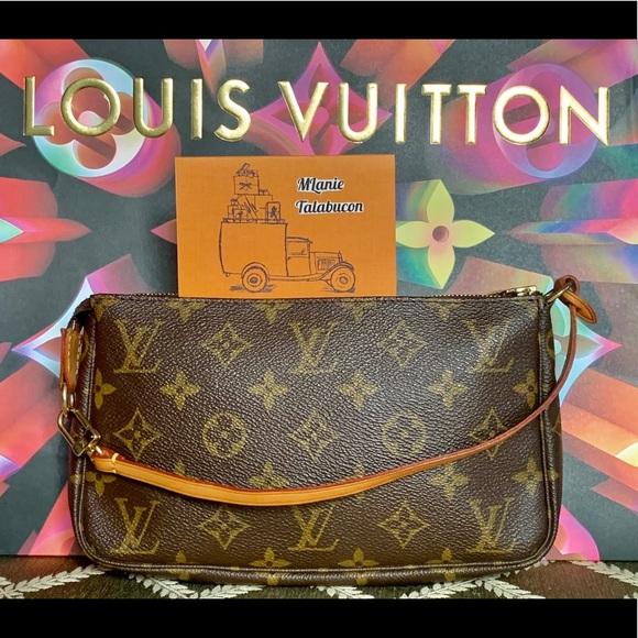 SOLD! 💯Auth Louis Vuitton Pochette Accessoires